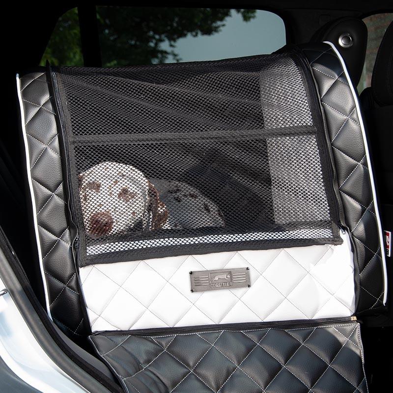 media/image/dogstyler_excelsior_netzabdeckung_ruecksitz_hund_auto.jpg